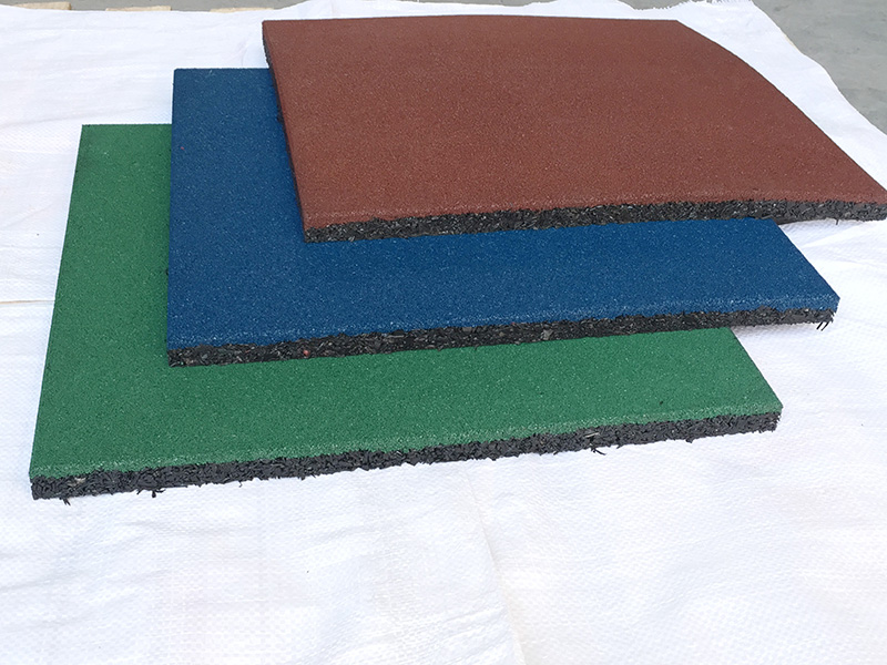 wholesale outdoor indoor cheap gym playground rubber flooring